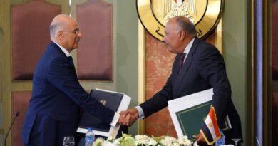 Συμφωνία Ελλάδας – Αιγύπτου: Εγκρίθηκε από επιτροπή Βουλής του Καίρου η οριοθέτηση ΑΟΖ