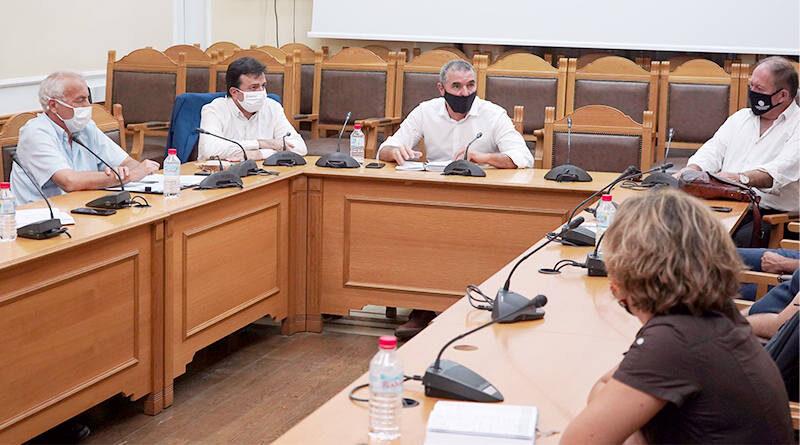 Με τον δάκο ασχολήθηκε η επιστημονική Επιτροπή για θέματα φυτοπροστασίας της Περιφέρειας Κρήτης