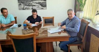 Σύμβαση για αγροτικό δρόμο της Πόμπιας υπέγραψε ο Δήμαρχος Φαιστού
