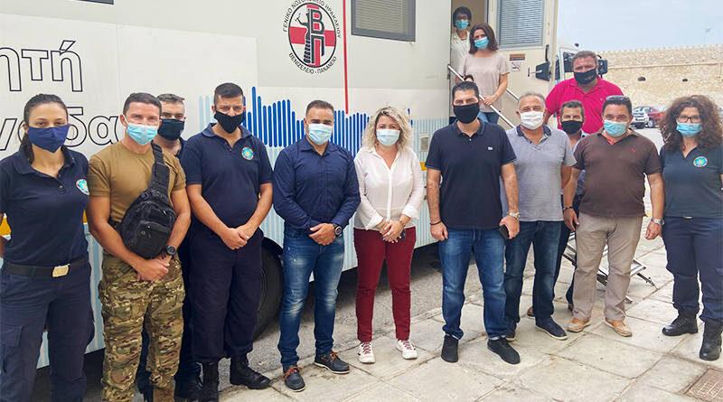 Η Λένα Μπορμπουδάκη,στη δράση εθελοντικής αιμοδοσίας που διοργάνωσε η Ένωση Προσωπικού Λιμενικού Σώματος Ανατολικής Κρήτης