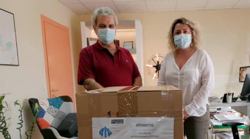 Δωρεά 3.600 χειρουργικών μασκών στα νοσοκομεία του Ηρακλείου