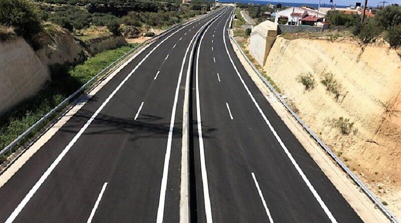Σε τι παραδοχές στηρίζεται η κυβερνητική πρόβλεψη για διόδια ύψους 0,063 € / χλμ. στο…